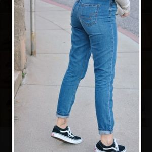 AE American Eagle Outfitters Mom Jeans
